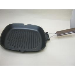New La Grill Ribbed Non Stick Square Griddle Pan Folding Handle 26cm x 26cm