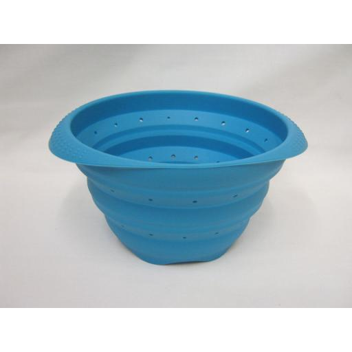 New Zeal Silicone Small Colander Collapsible 15cm M124 Aqua Blue