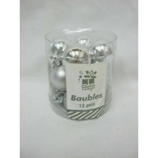 Festive Magic Christmas Tree Baubles Pk 12 Silver 25mm XM0273