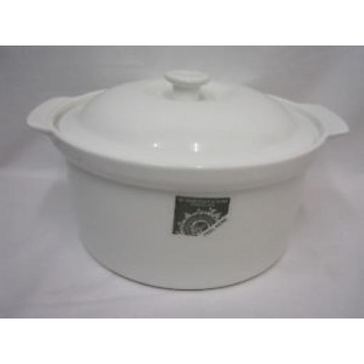 Wm Bartleet White Porcelain Casserole Dish Pot T382 22CM Slight Seconds